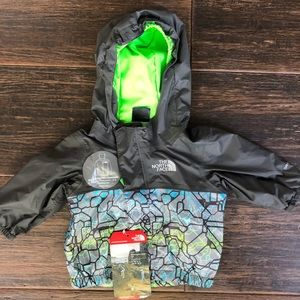 NWT: Infant Jacket: The North Face (0-3 month)